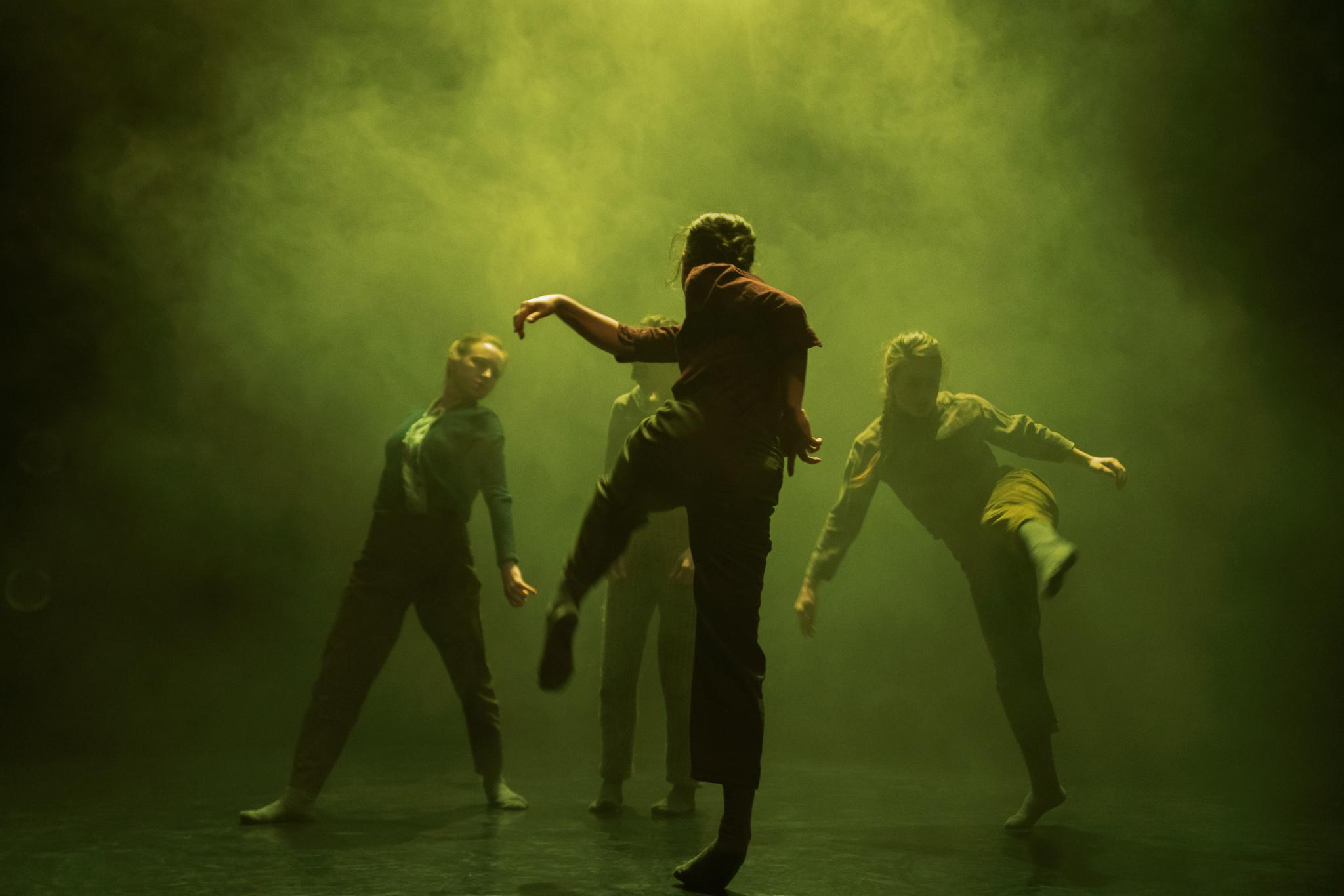 Image of Terra by James Finnemore - dance photography, fotografia de escena, fotografo de danza, dance photographer, stage photography
