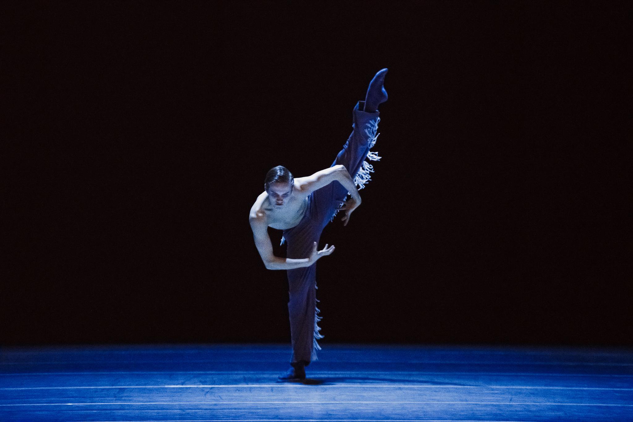 NDT2 Wir sagen uns Dunkles by Marco Goecke dance photography, fotografia de escena, fotografo de danza, dance photographer, stage photography