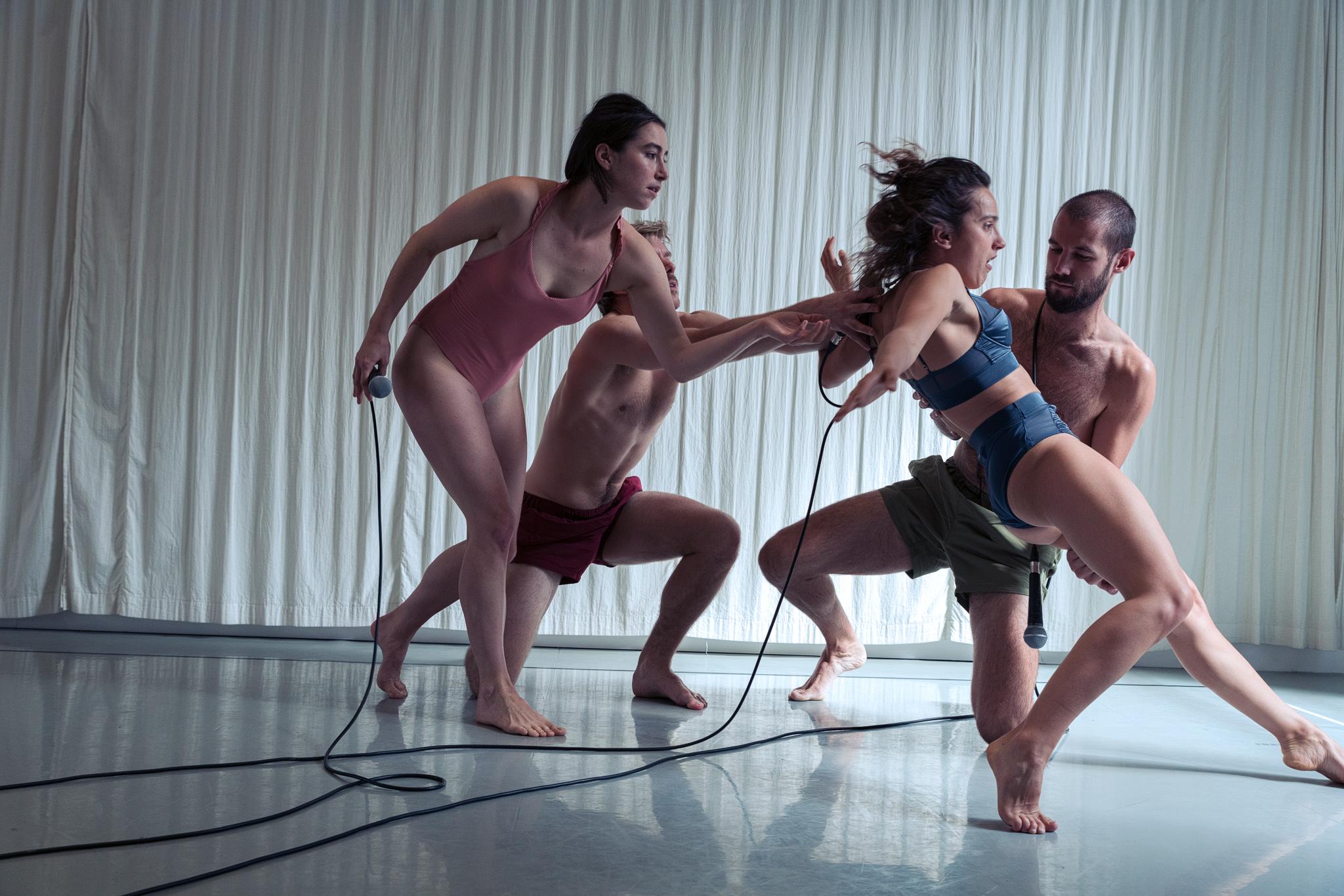 Image of Lea Tirabasso TOYS dance rehearsal dance photography, fotografia de escena, fotografo de danza, dance photographer, stage photography