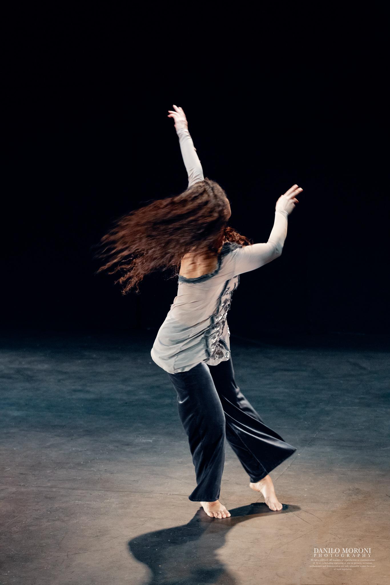 Image of Irene Vazquez En busca de la belleza dance photography, fotografia de escena, fotografo de danza, dance photographer, stage photography