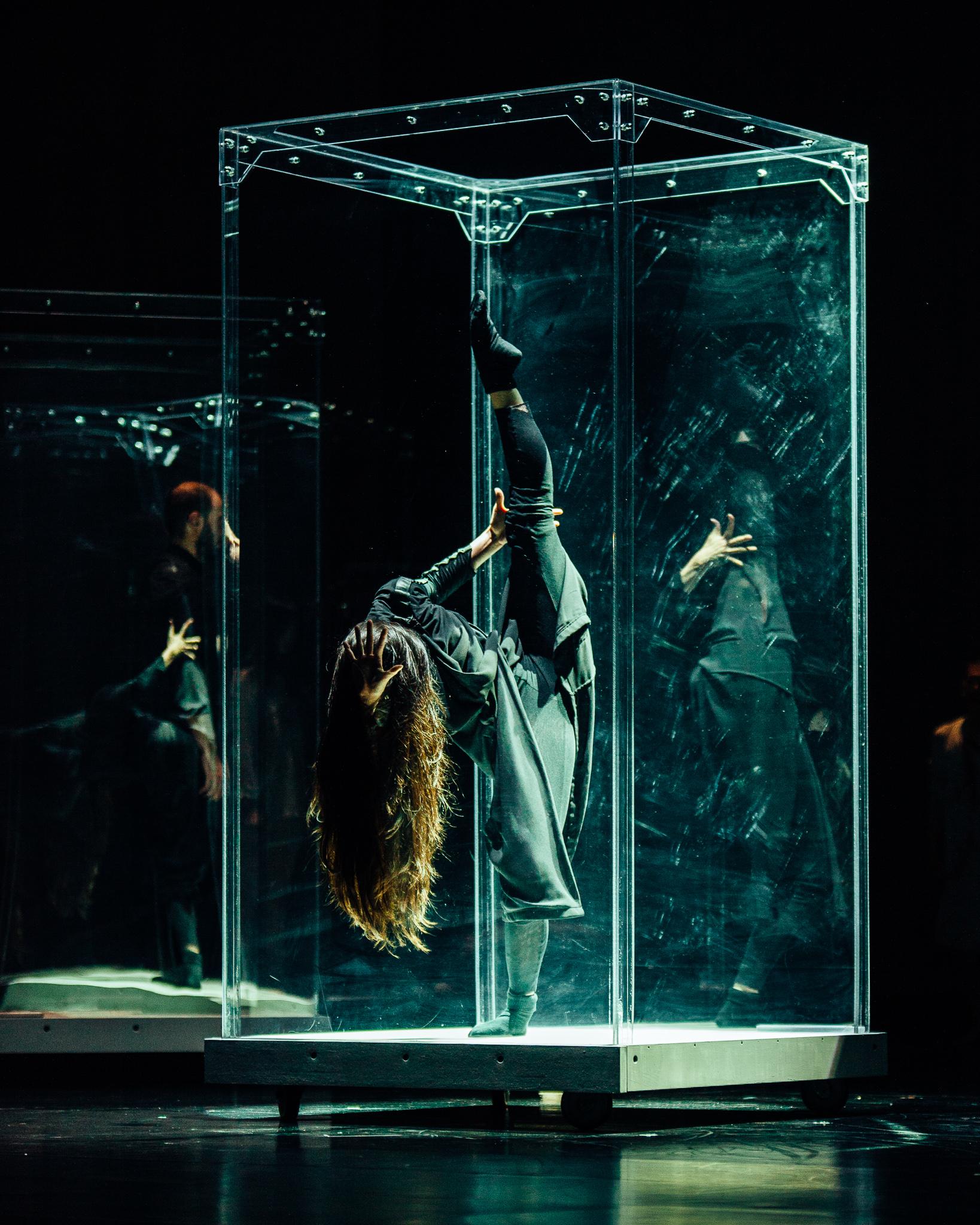 Image of Sidi Larbi Cherkaoui dance photography, fotografia de escena, fotografo de danza, dance photographer, stage photography