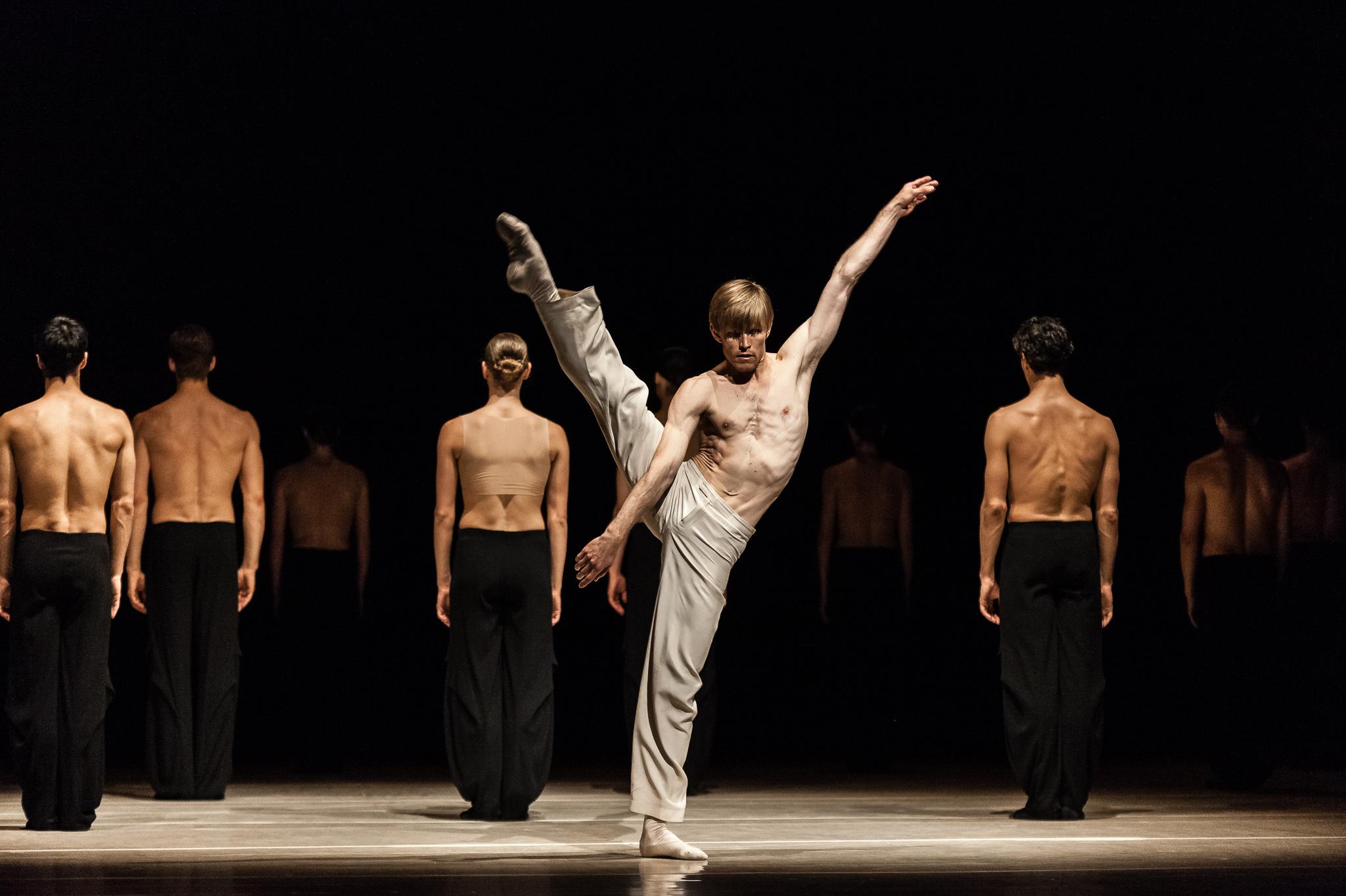 image of Nederlands Dans Theater: NDT 1  dance photography, fotografia de escena, fotografo de danza, dance photographer, stage photography