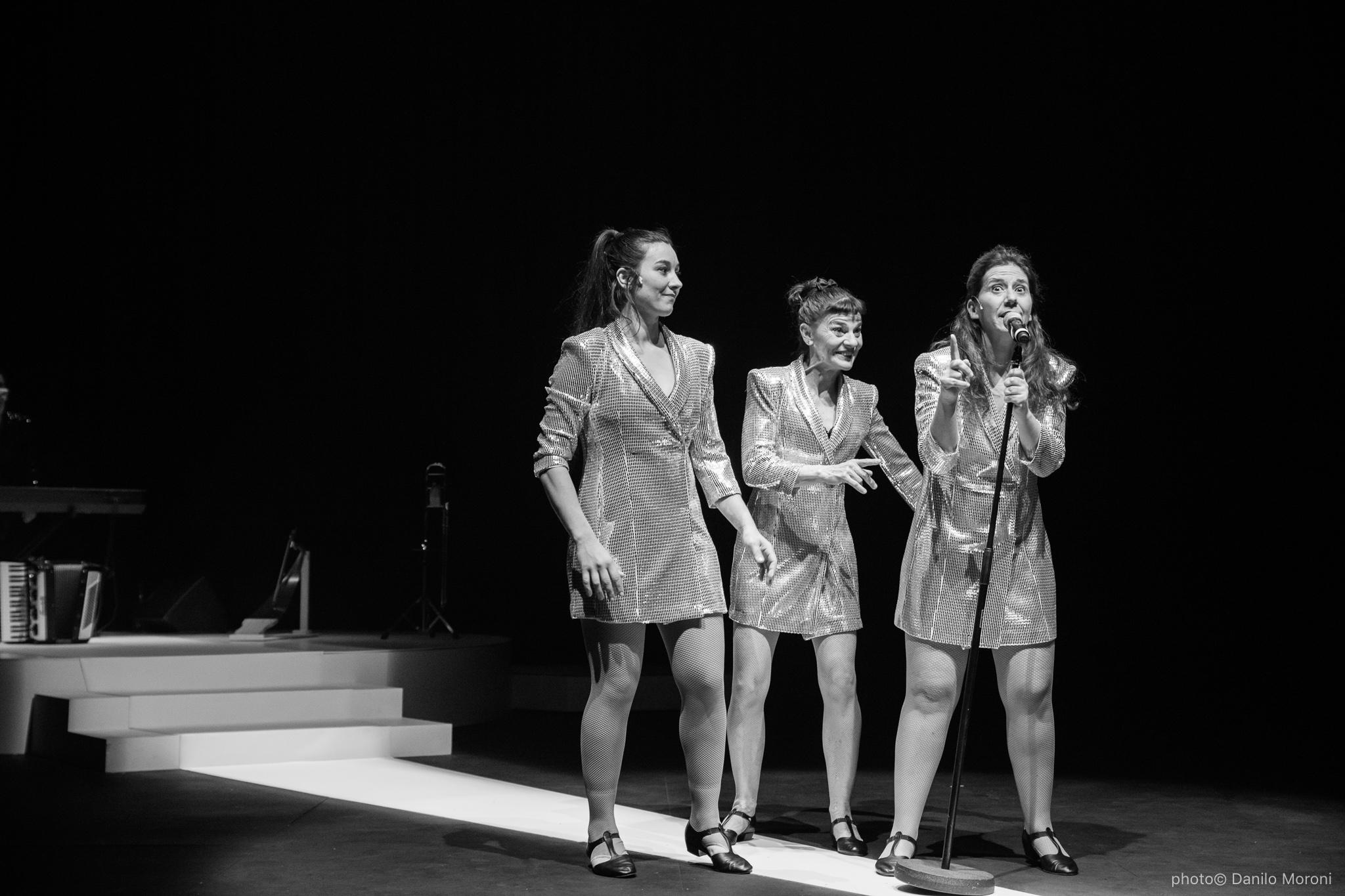 Teatro-en-vilo-Circo-Price-Miss-Mara-photo-Danilo-Moroni-524-2.jpg