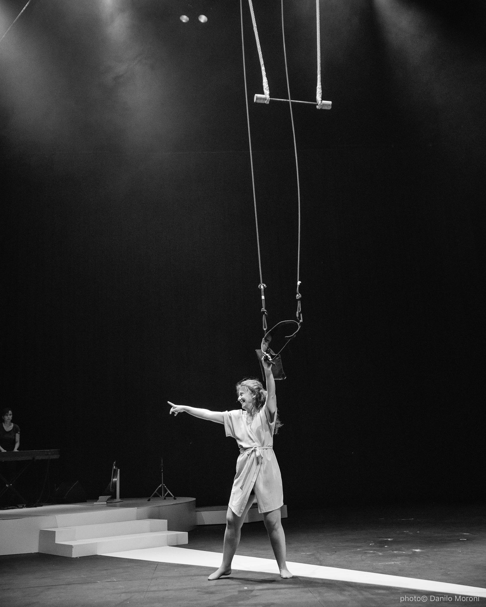Teatro-en-vilo-Circo-Price-Miss-Mara-photo-Danilo-Moroni-614.jpg