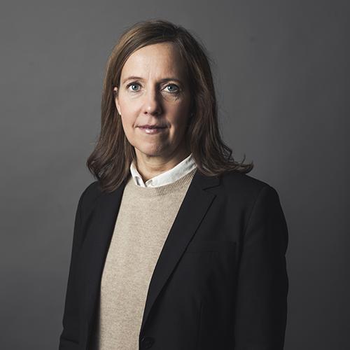 Erika P. Björkdahl, docent i civilrätt (Uppsala universitet)   Foto:Rickard   L. Eriksson – klicka på bilden ovan för att se video