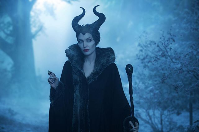 Who else is excited for Maleficent: Mistress of Evil?? Just look at these shots from the film! Angelina Jolie is incredible in the role of a Maleficent, so powerful