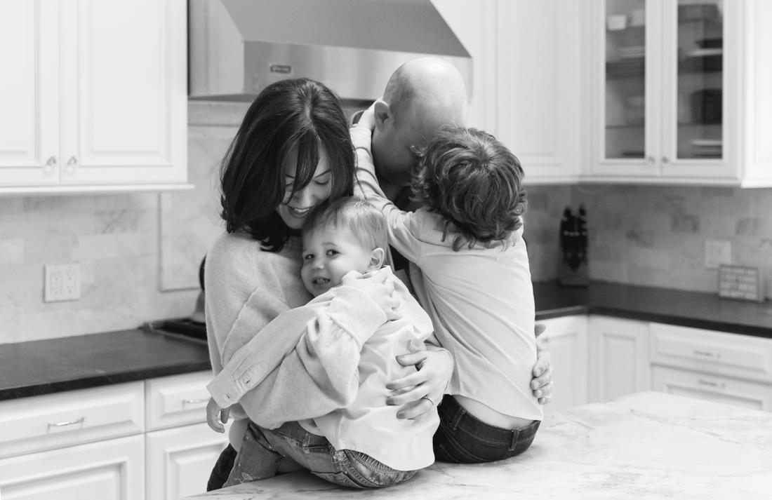 In home family session in the kitchen New York Family Photographer Helene Stype 0419-8.jpg
