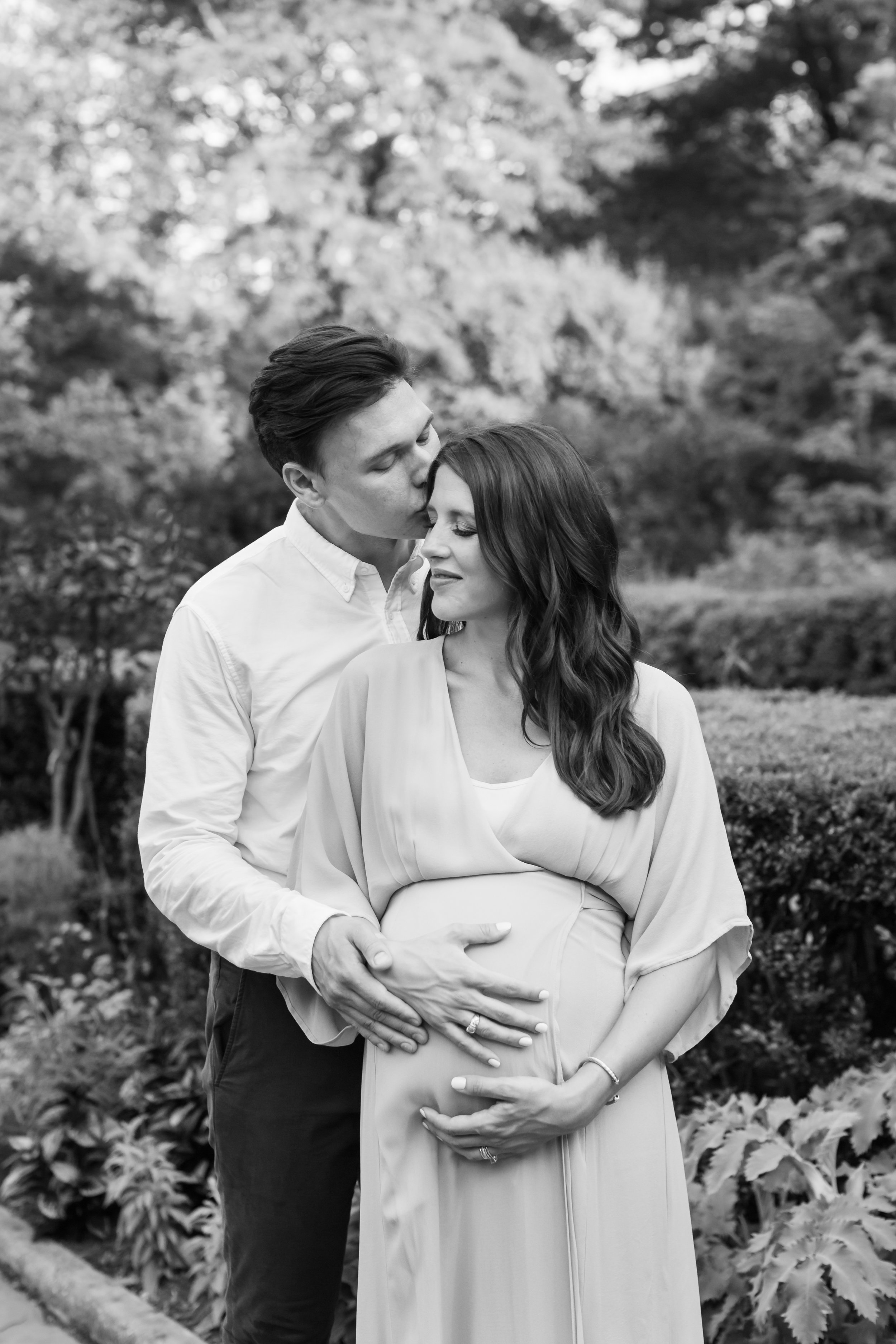 NYC Black and White Maternity photography - Helene Stype