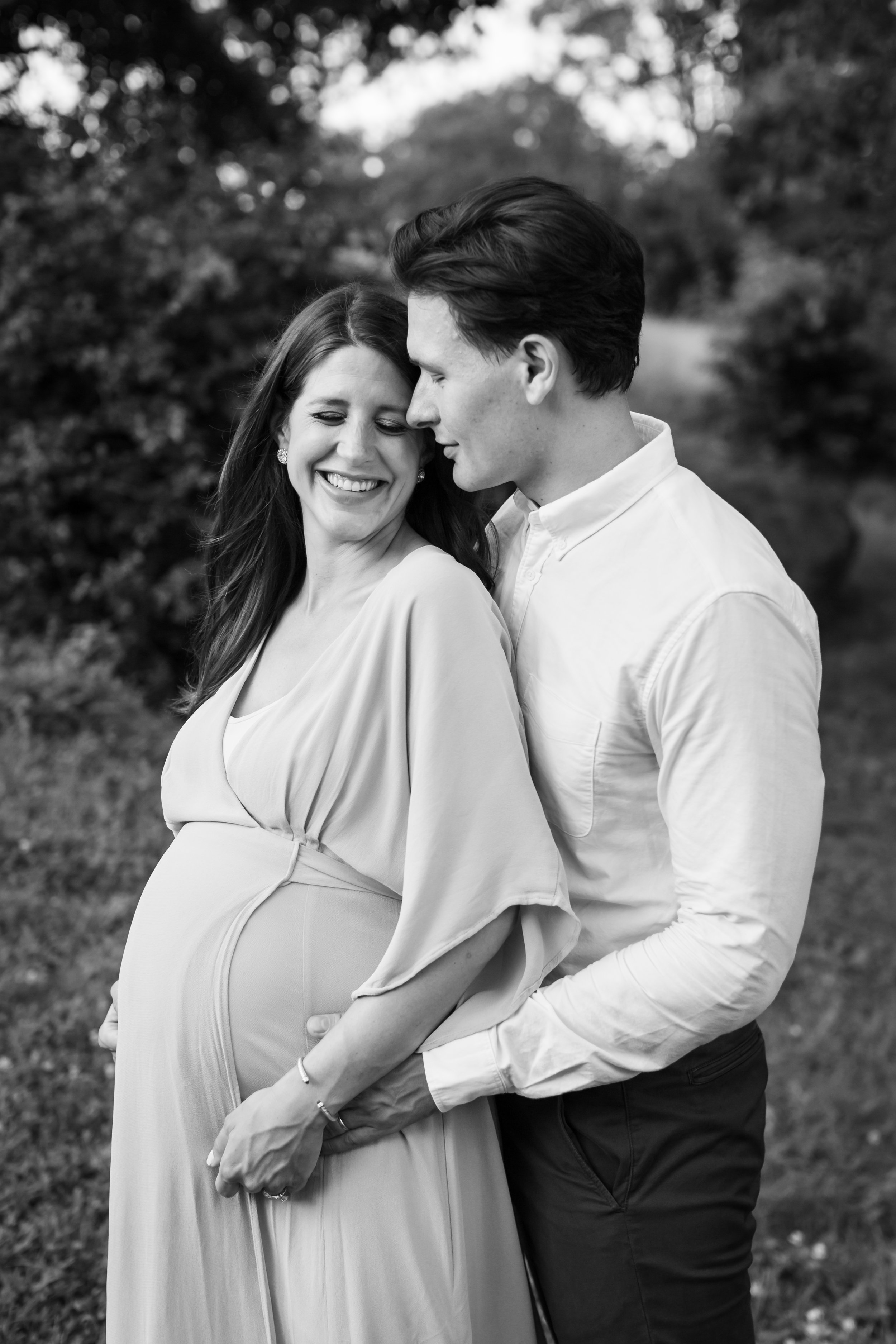Central Park black and white maternity session by Helene Stype