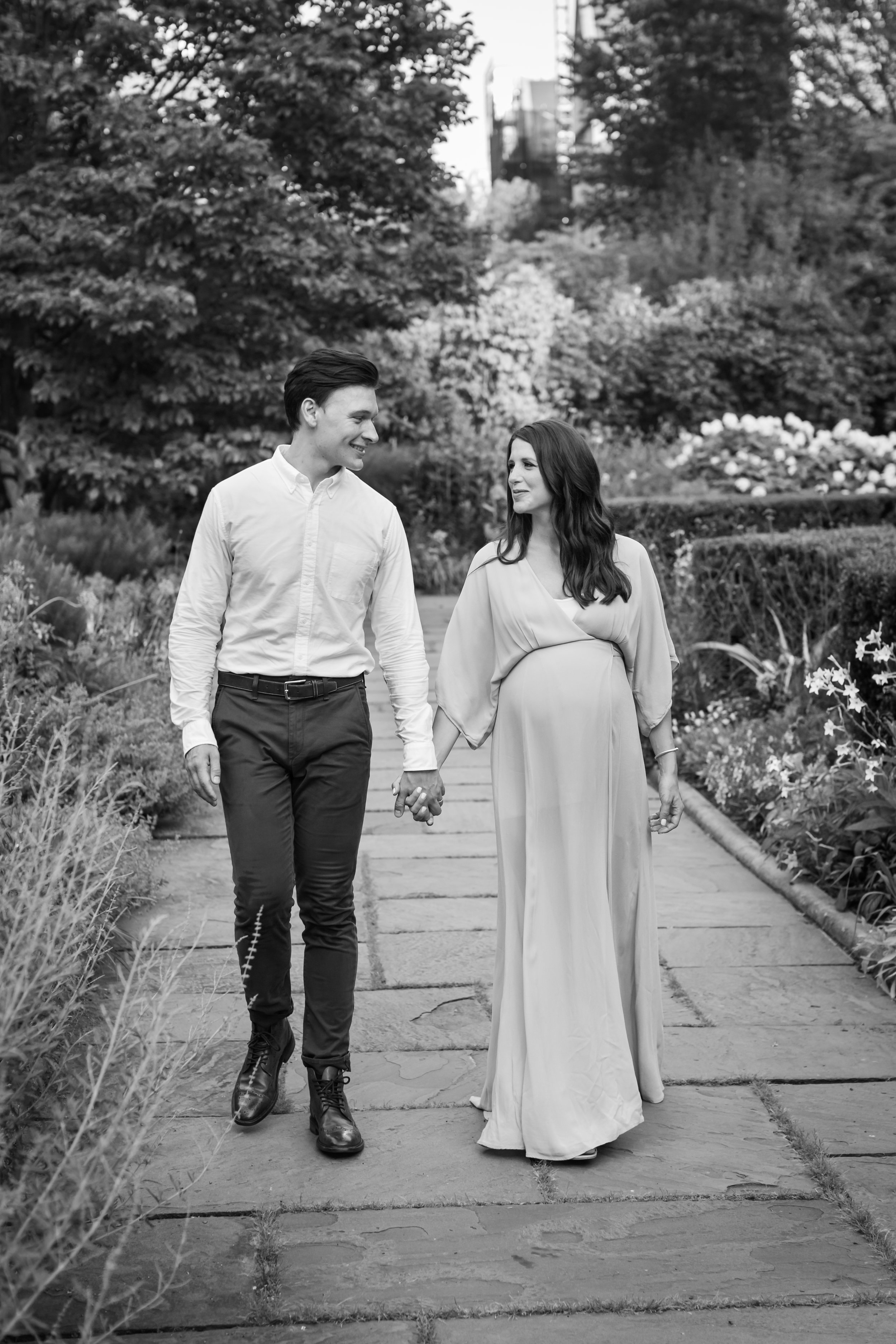 Manhattan black and white maternity session by Helene Stype