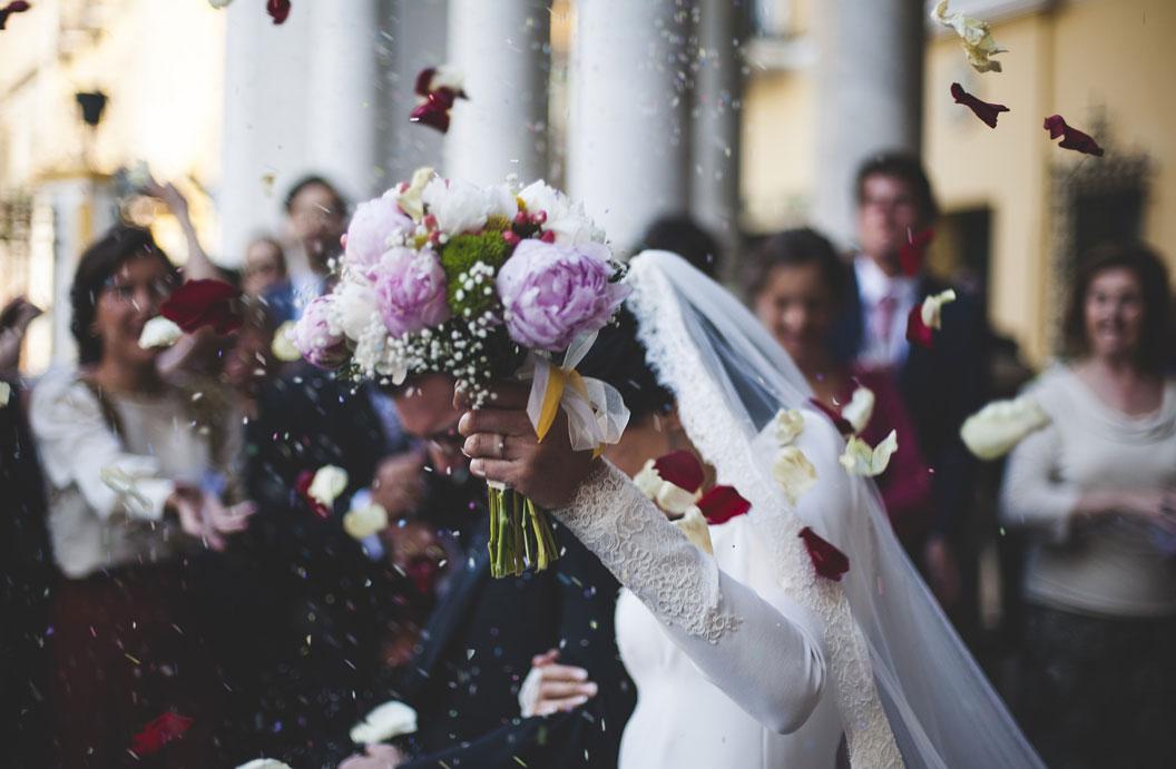 wedding-bouquet-walking-down-aisle.jpg
