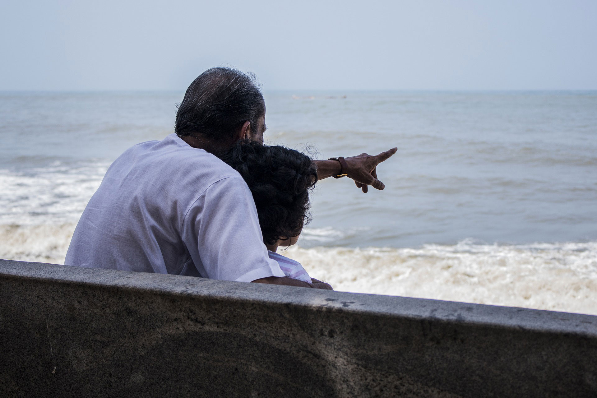 grandfather-and-child-at-beach.jpg