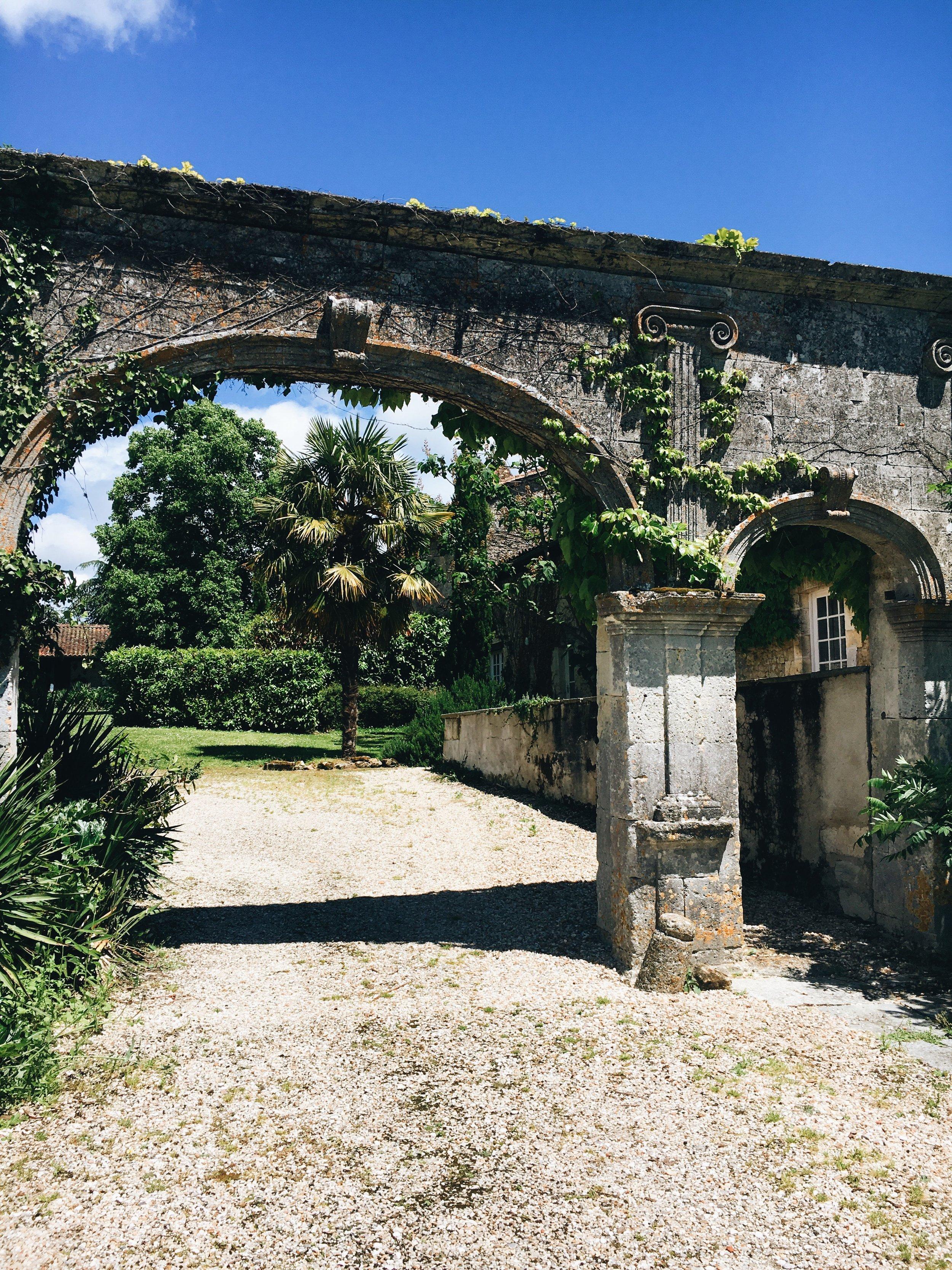 MiniVoodoo_Travel_Charente_Logis de Beaulieu (18).JPG