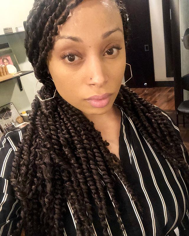 The demand for twists is in full effect 💕 Okay I'm here for it. #passiontwists #salononeparis #nofilters  www.salononeparis.com
