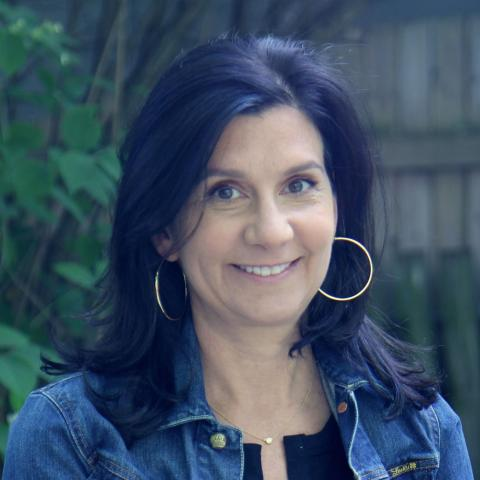 Betsy Steinberg Executive Producer    Executive Director Betsy Steinberg joined Kartemquin in December 2015 and oversees daily operations, development, and serves as Executive Producer on Kartemquin projects. Prior to Kartemquin she spent eight years as Managing Director of the Illinois Film Office where she she spearheaded Illinois' transformation into a world class film destination. She was instrumental in the passage of the Illinois film tax credit and implemented an overall business development strategy resulting in over $1 billion in direct economic impact. During her tenure the state broke all local film industry revenues in 2007, 2010, 2012 and 2013 and the Illinois Film Office was recognized by the Illinois Arts Alliance with an Arts Advocate Award and Cinema Chicago's Golden Hugo. She also served on the Governor's Roundtable on the Creative Arts and the boards of Free Spirit Media, Chicago Media Project and the Midwest Independent Film Festival.