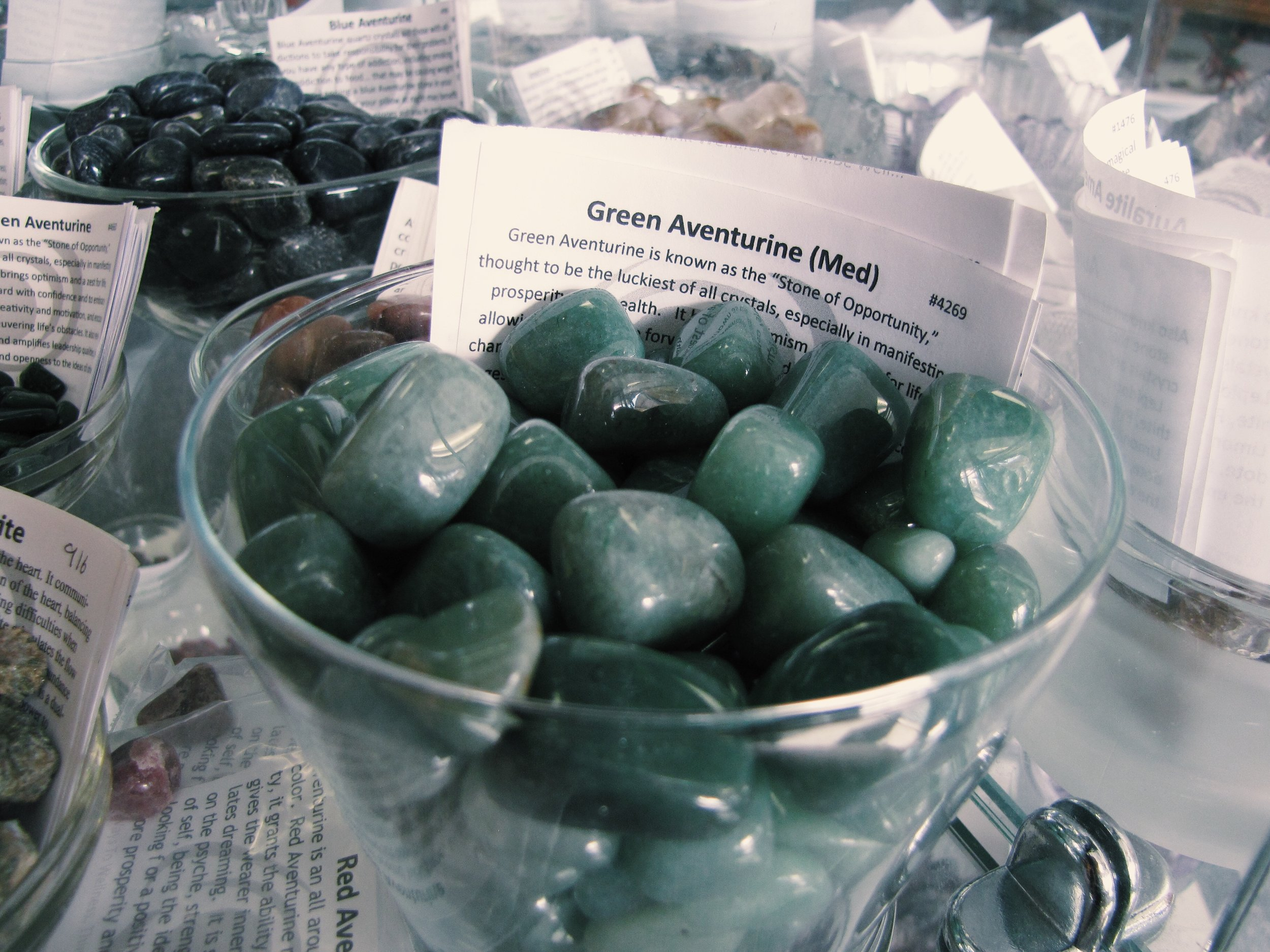 Green Aventurine- The stone of opportunity. Thought to be a stone of luck when manifesting prosperity and wealth. It's also very soothing and works with the heart chakra, loosening and releasing negativity.