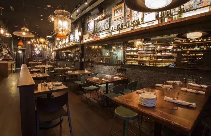 Critics Commend Lettuce Entertain You's First Wine Bar