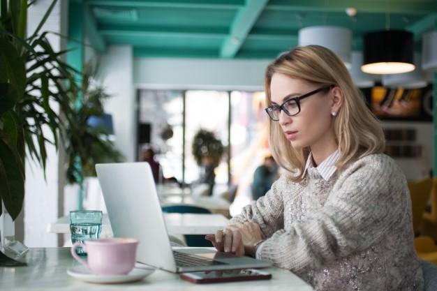 reading-adult-person-entrepreneur-job_1262-2693.jpg