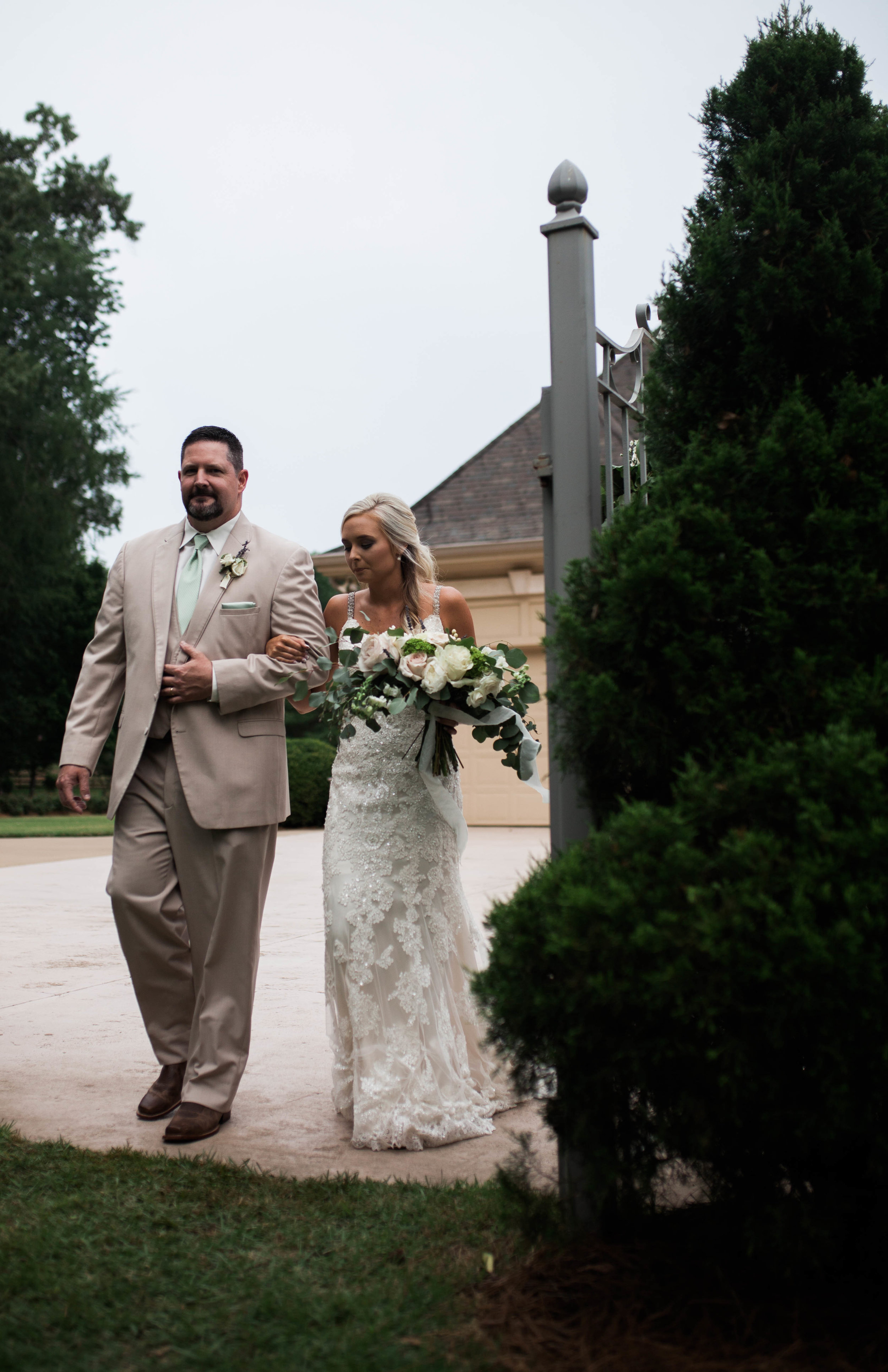 StoneWood Farms | Bride and father