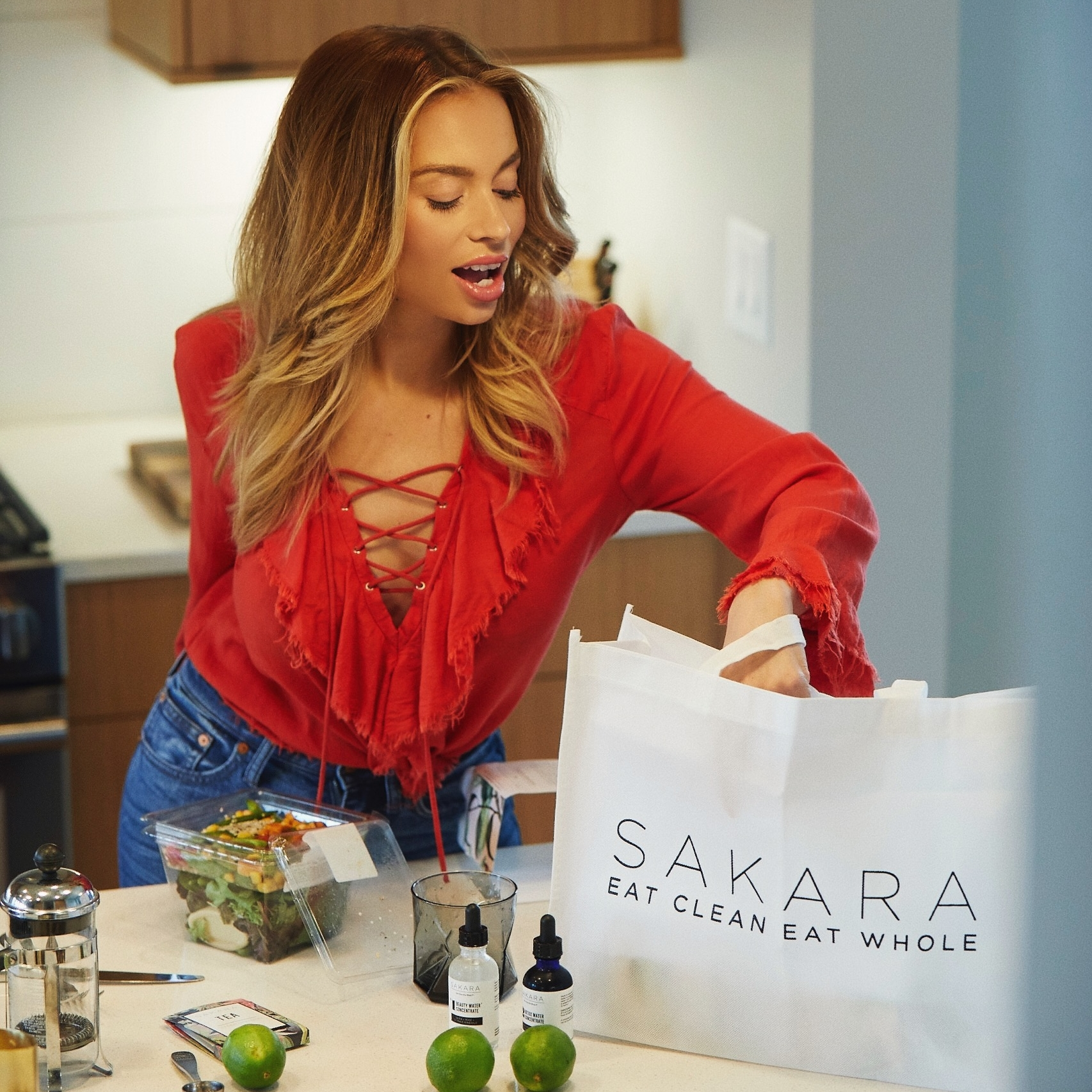 Staying healthy with Sakara! - This just might be the holly grail of all plant based meal deliveries!...READ MORE
