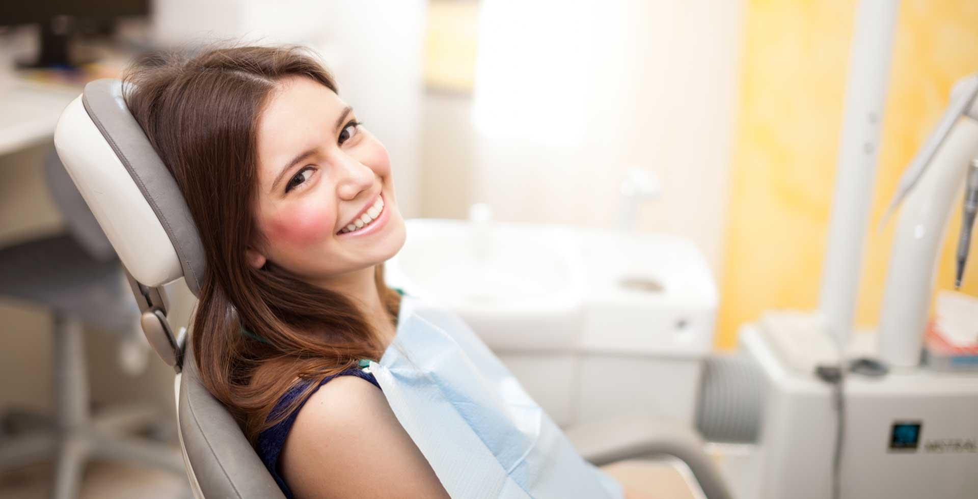 Edwards-Endodontics-patient-smile1920x980.jpg