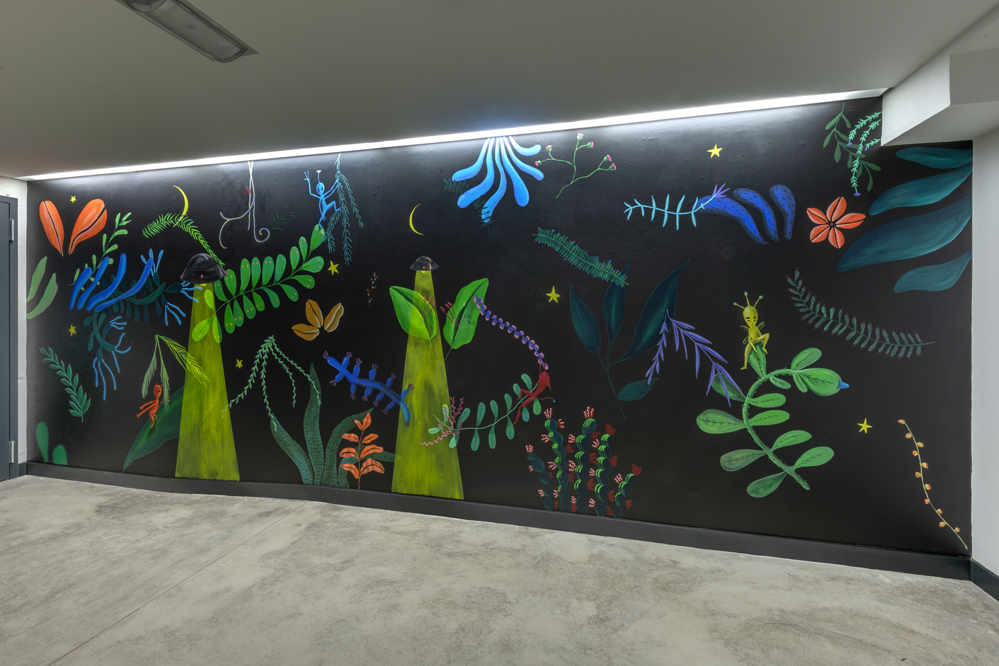 night life,   gaëtan henrioux,  acrylic on concrete, 2,30x6,05m   photo credits: charles duprat