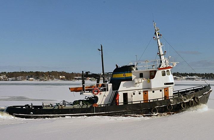 ATLAS - Typ: Isbrytande bogserbåtSignalbokstäver: SMBULOA: 25,82 mBredd: 6,35 mBP: 10 tGT: 97 t