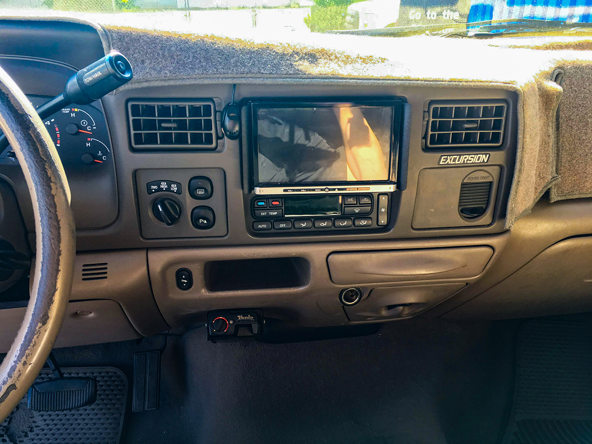 2004 Ford Excursion Before.jpg