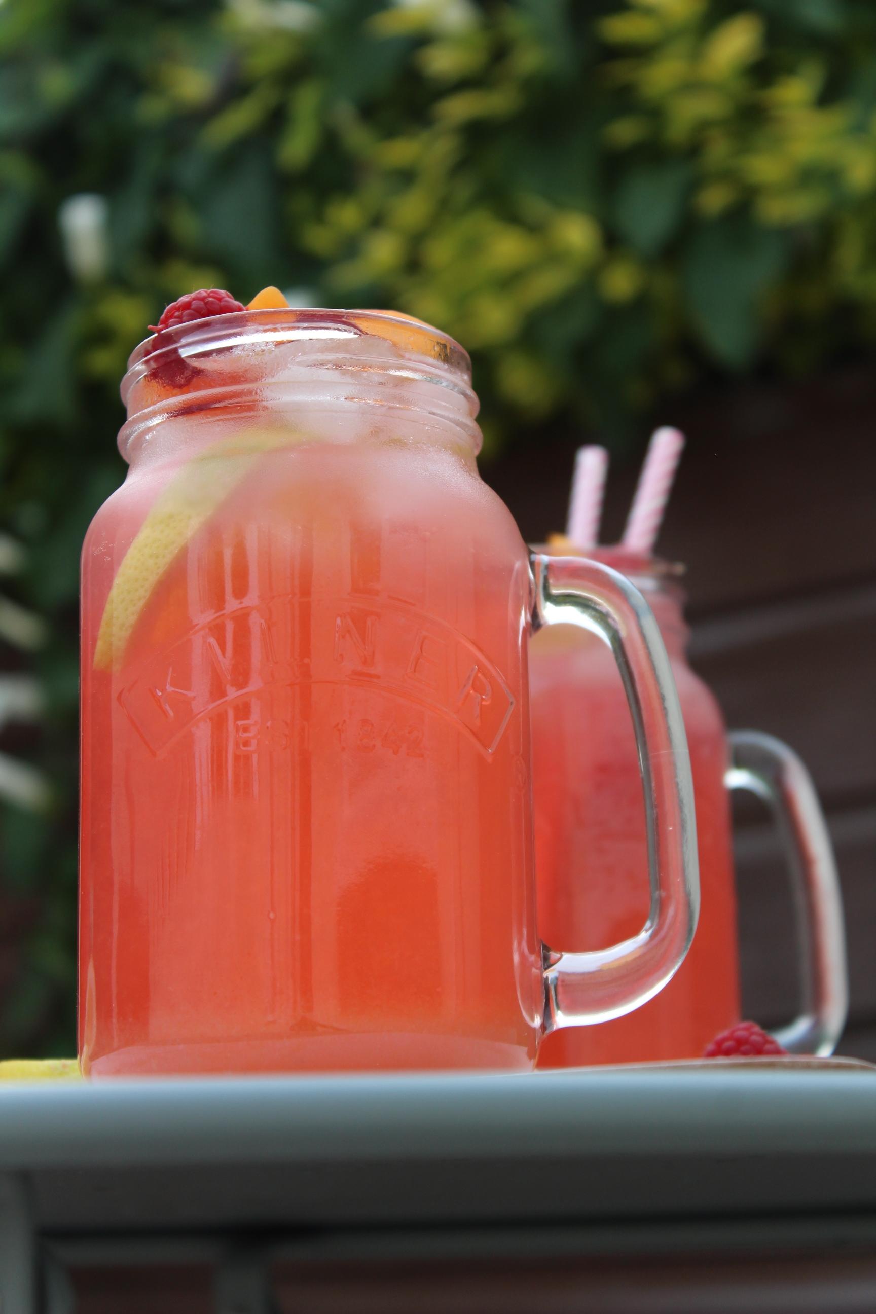 Honey-apricot-raspberry-lemonade.JPG