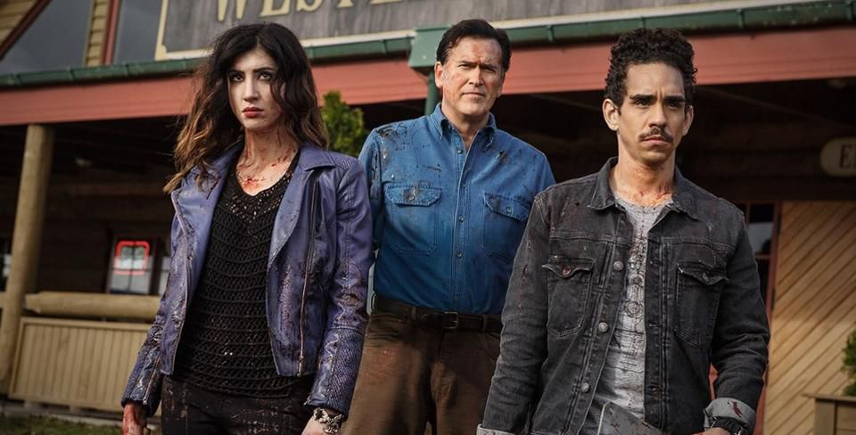 Left to Right: Dana DeLorenzo, Bruce Campbell, Ray Santiago