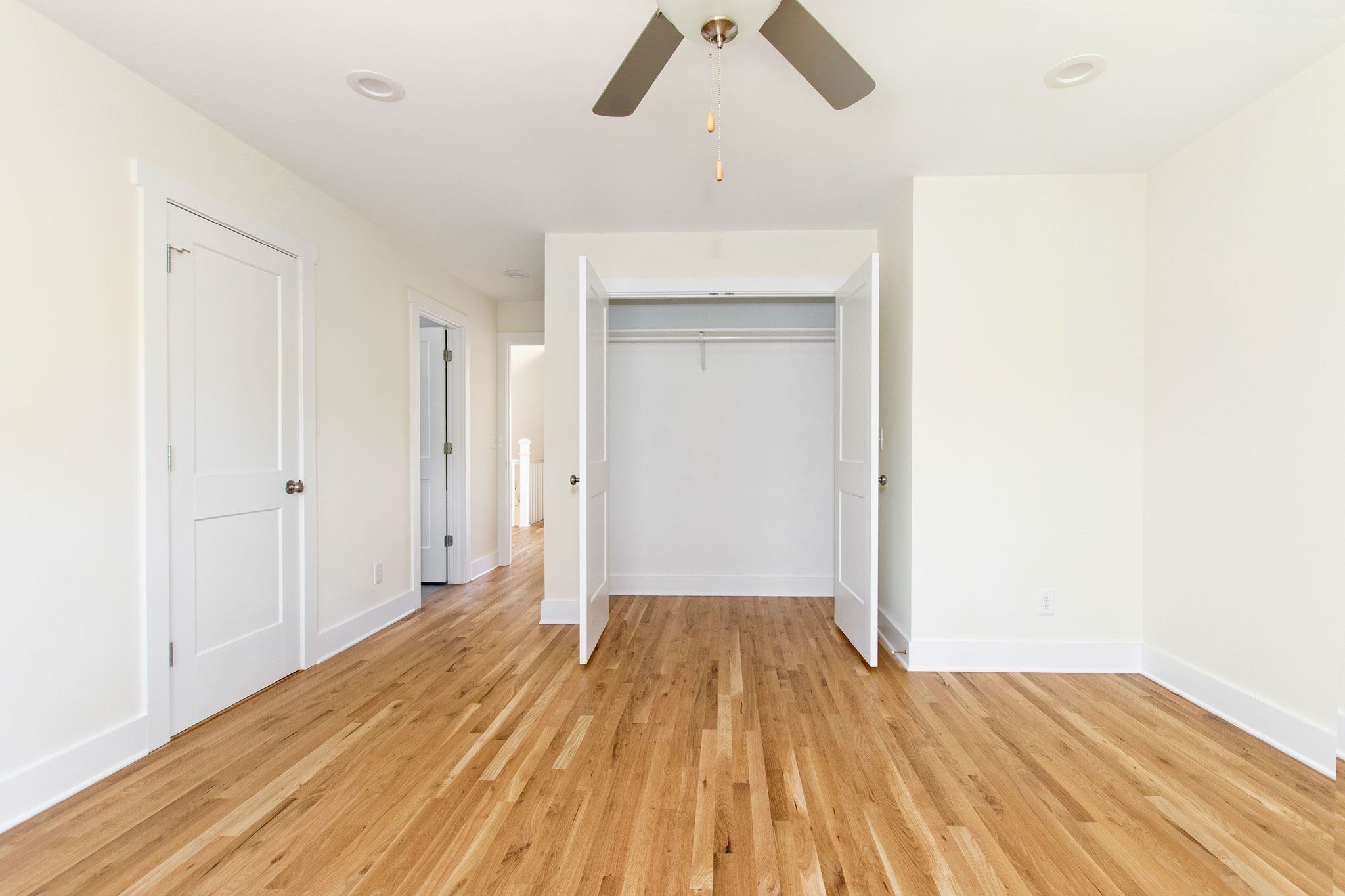 21 Upstairs Bedroom with Direct Bath Access.jpg