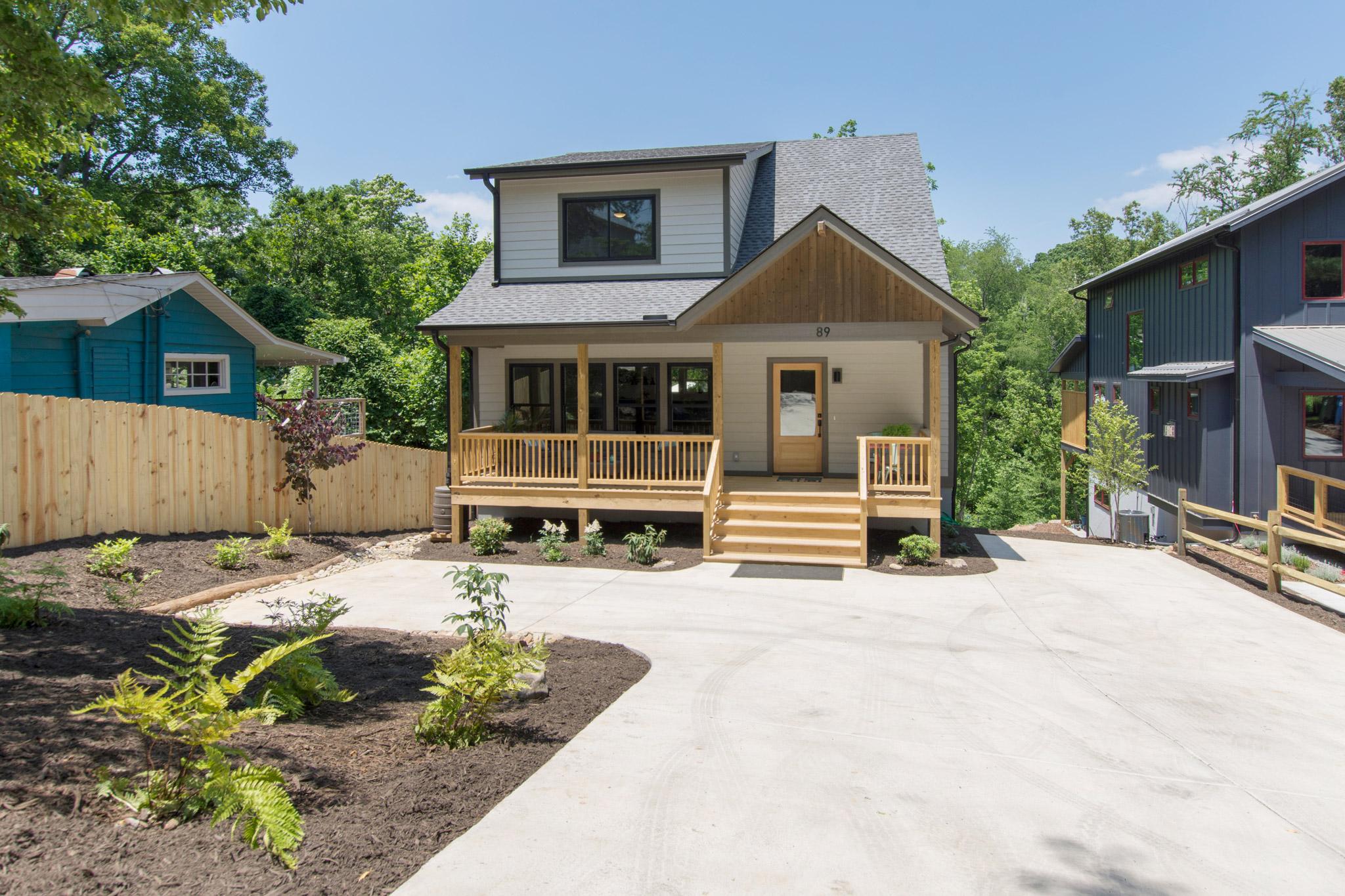 01_Fresh_West_Asheville_green-built_home[1].jpg