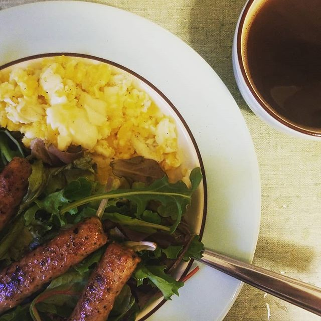 Seriously greens for breakfast is revolutionizing my life. . . . . . . #breakfastsalad #breakfast #foodporn #coffee #whole30compliant #whole30september2018 #whole30september #huntressofhappy