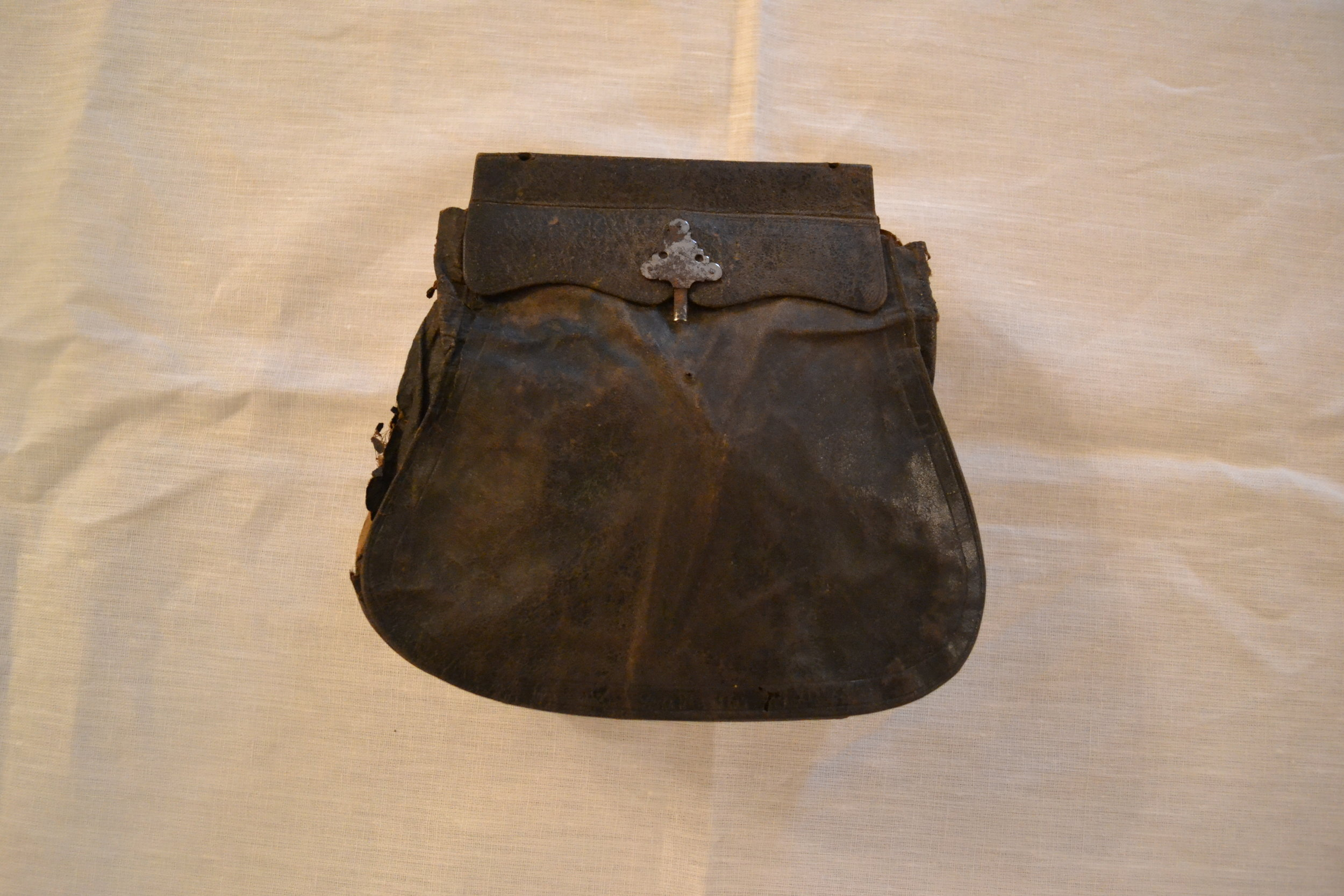 colonial travel purse.JPG
