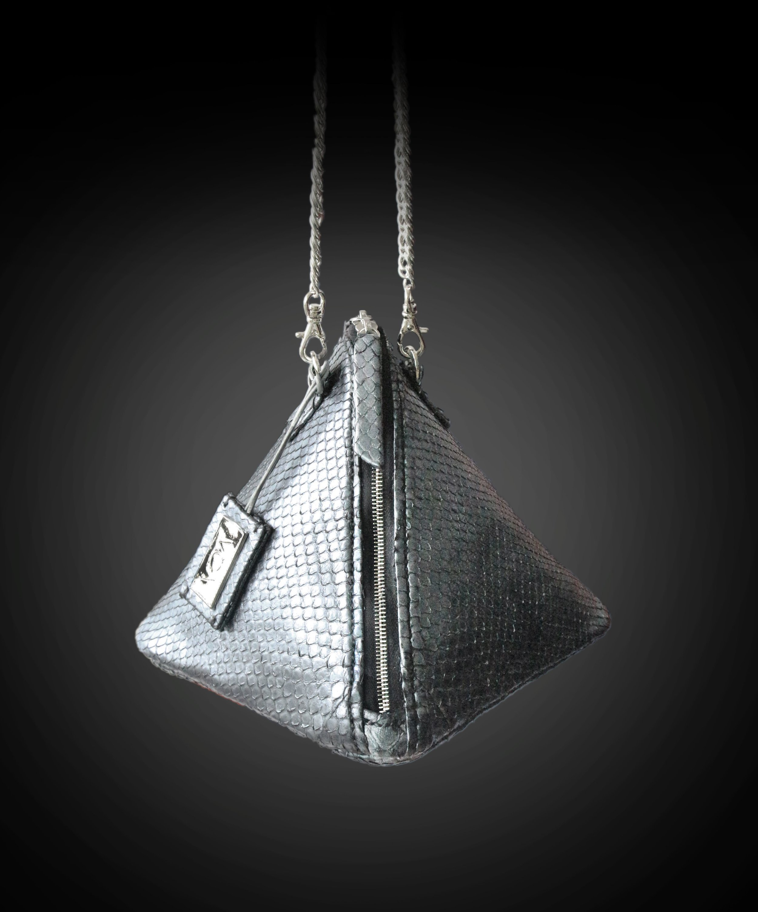 Pyramid Bag - View The Details