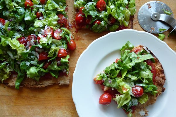 five_easy_weeknight_dinners_salad_pizza.jpg