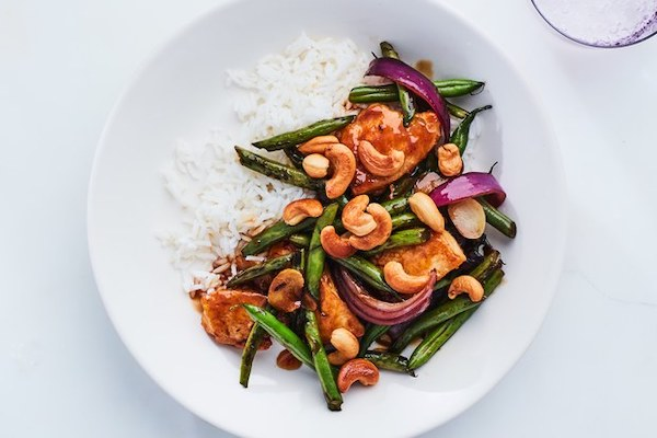 What_We_Are_Eating_For_Dinner_This_Week_Cashew-Chicken-with-Spring-Veg-recipe.jpg
