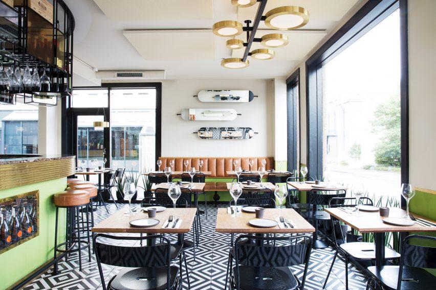 mat-bar-haf-studio-reykjavik-iceland-restaurant_dezeen_2364_col_1-852x568.jpg