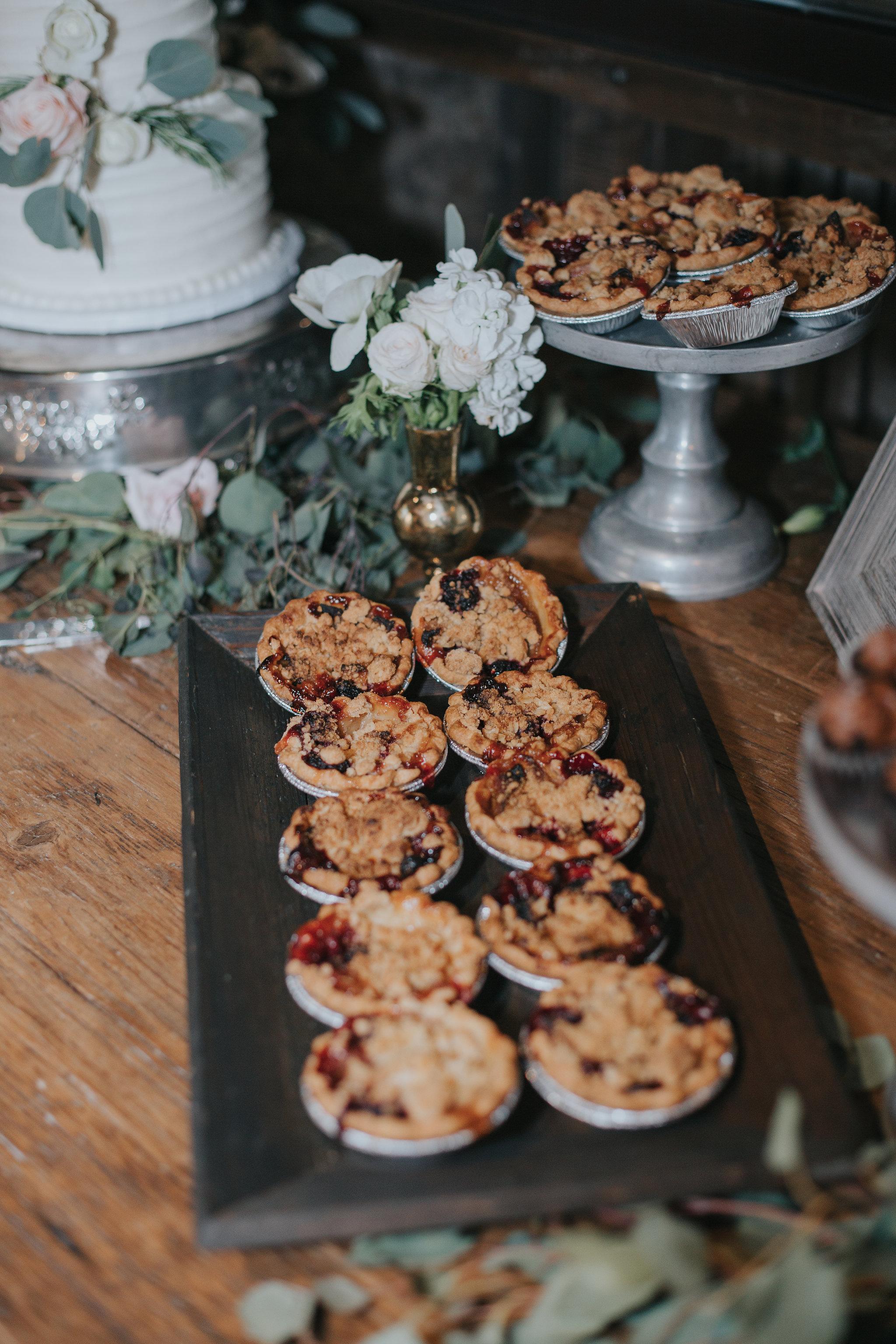 rus-farm-wedding-heald-wedding-consulting-hwc-pies-dessert.jpg