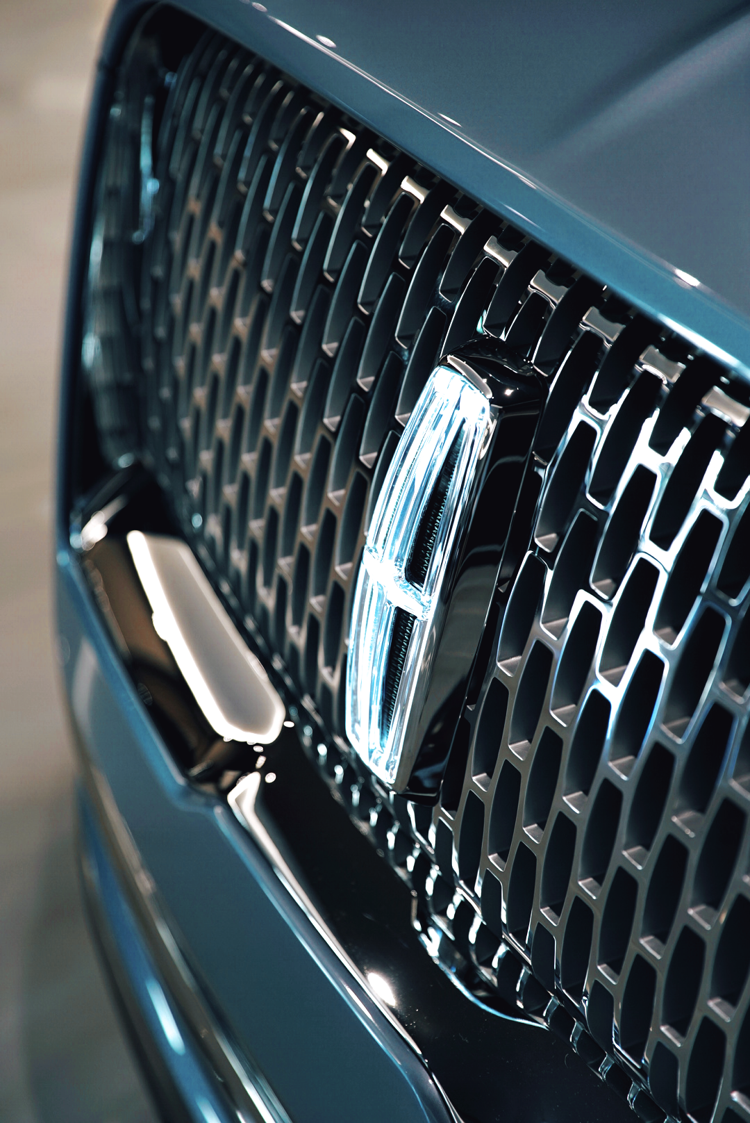 Lincoln Motor Company >> Airows X Lincoln Motor Company 22 Waves Creative