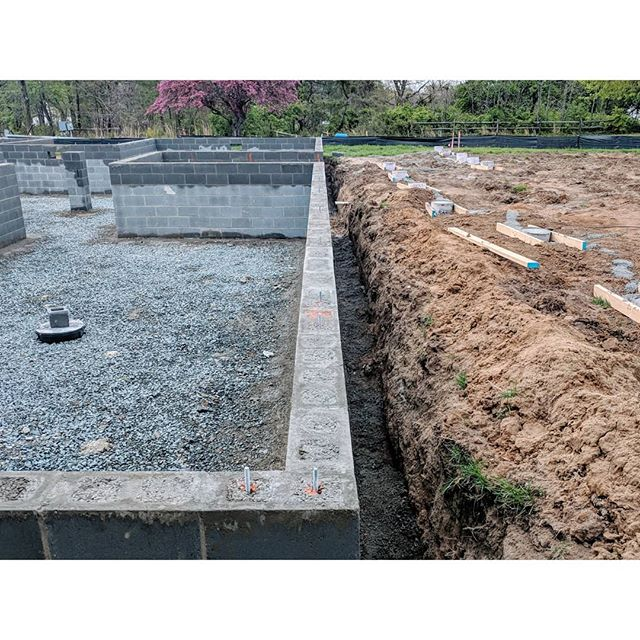 04/25/18 - Week 7 - #CMU #foundationwalls are up and grouted. #martinsgrehl