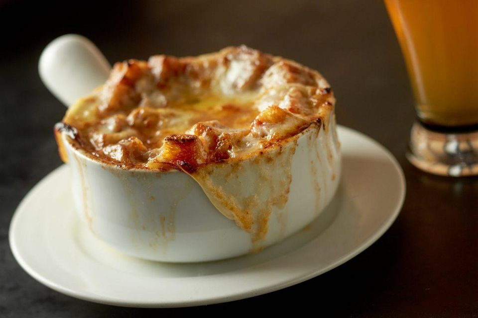 https_%2F%2Fblogs-images.forbes.com%2Fjohnmariani%2Ffiles%2F2018%2F07%2FPO-ONION-SOUP-valls_BistroAgnes_4593-1200x800.jpg