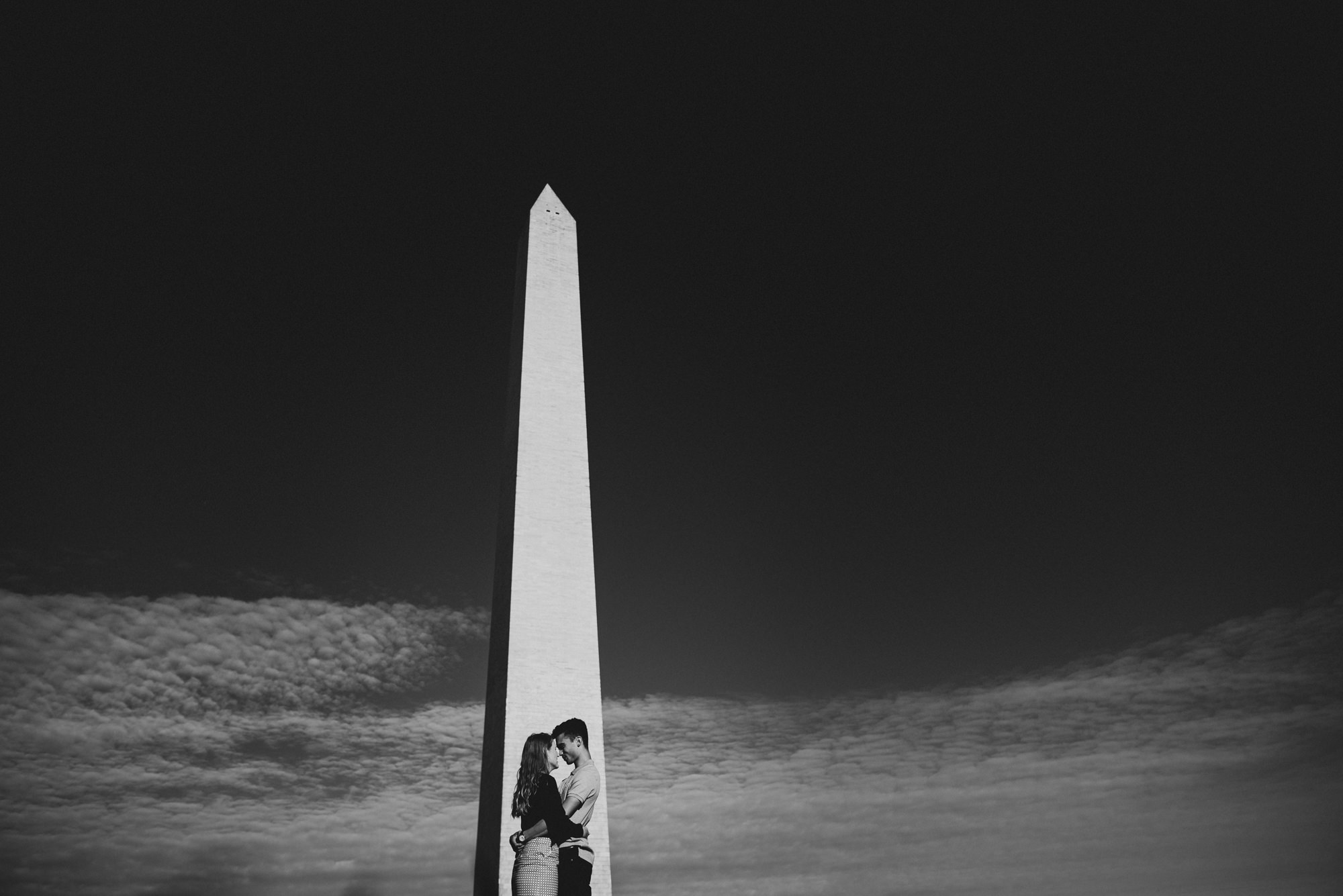 Engagement session at Washington Monument