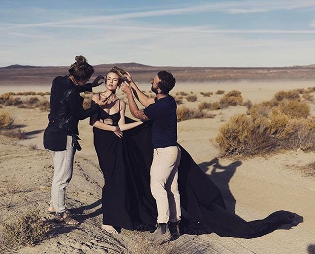 Here's a little BTS of an #editorial I worked on, in the #elmirage #desert this week. @missemilybishop Shot by @erwinloewen #makeup @allisongirodaymakeup #hair #me #reecewalkerhair @contessa_la  #la #shoot #model #living 🖤