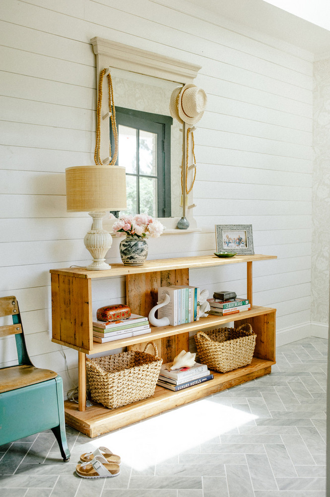 this-home-blends-swedish-country-with-cali-cool-and-nails-it-5ab2cbc9604f27084a0d83c3-w1000_h1000.jpg