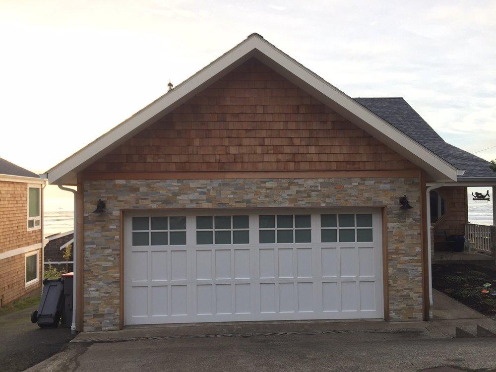 all bay garage doors - carriage house garage door - kevin chervatin - 49.jpg