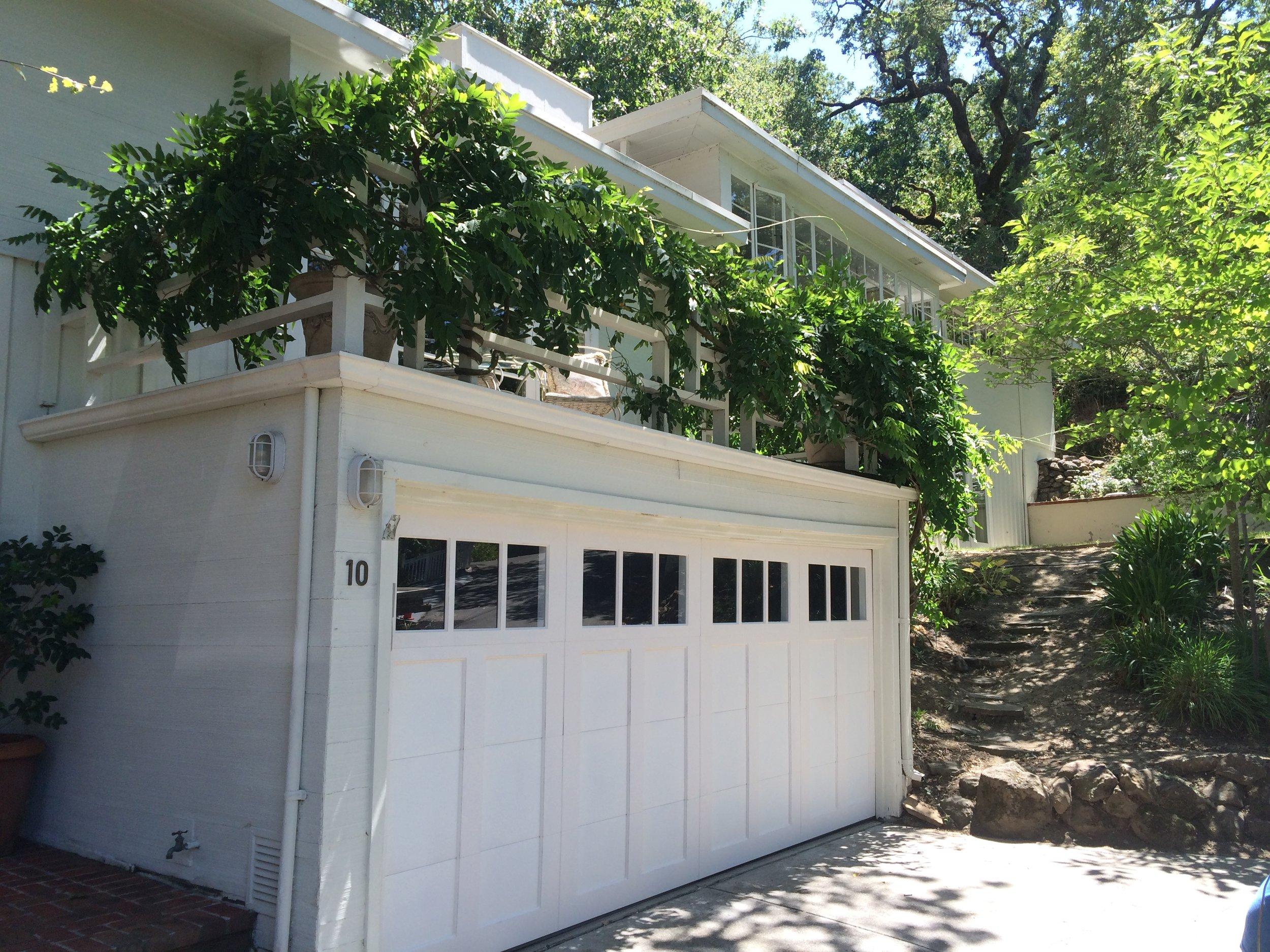 all bay garage doors - carriage house garage door - kevin chervatin - 4.JPG