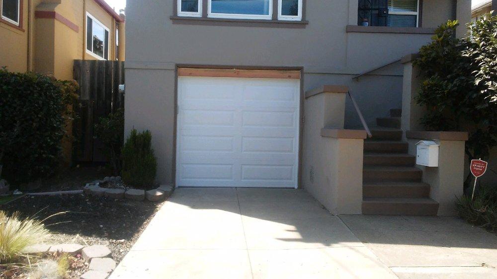 All Bay Garage Doors - Kevin Chervatin - Long Panel Steel Garage Doors - 3.jpg