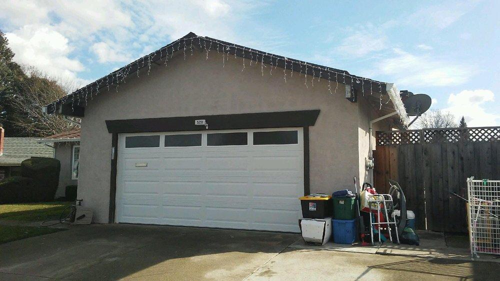 All Bay Garage Doors - Kevin Chervatin - Long Panel Steel Garage Doors - 34.jpg