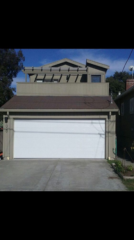 All Bay Garage Doors - Flush Panel Garage Doors - Kevin Chervatin - 21.jpg
